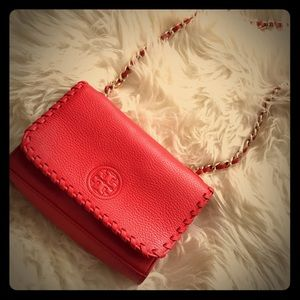 Gorgeous Tory Burch Red Crossbody Bag